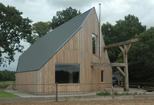 Dutch farmer uses LT15 sawmill to build a new barn