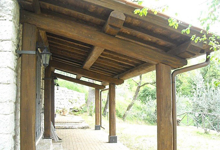 Rustic beams in Italy